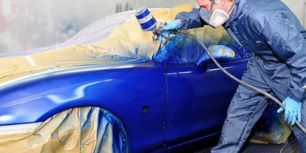 Pintando un coche
