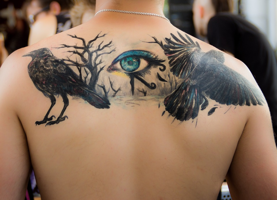 Tatuaje grande a color
