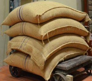 el quintal aún se utiliza en algunos países de Centroamérica y Sudamérica