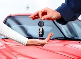 ¿Qué hacer al alquilar un coche de alquiler?