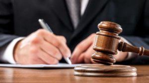 cuanto gana un abogado aduanero