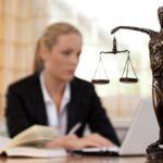 Cuánto gana un abogado/a