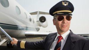 cuánto gana un piloto de avión comercial