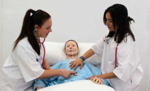 cuanto gana un auxiliar de enfermería en españa