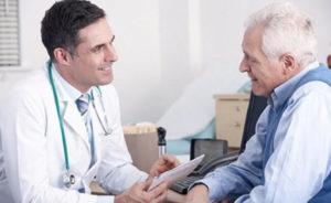 cuanto gana un medico en españa 2016