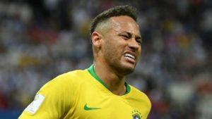 cuanto gana neymar