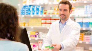 cuanto gana un auxiliar de farmacia