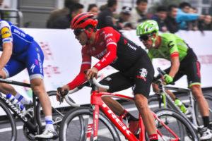 cuanto gana un ciclista profesional en europa