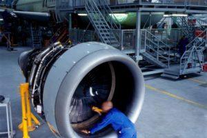 cuanto gana un ingeniero aeronautico en peru