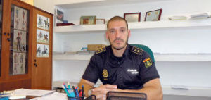 cuanto gana un oficial de policia en argentina