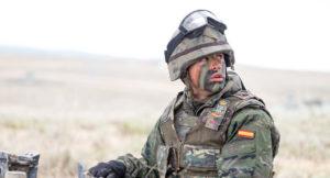 cuanto gana un soldado en españa 2017